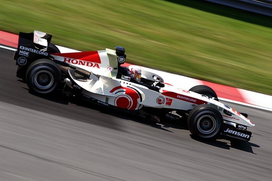 Jenson Button 2006. aastal juhtimas Honda RA106 vormelit